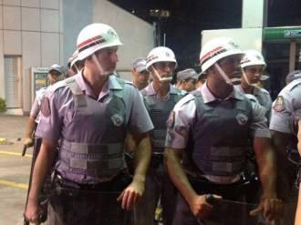 PMs não identificados na repressão às manifestações.